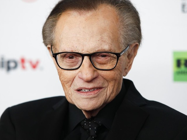 Larry King, hospitalized with COVID, moved out of ICU