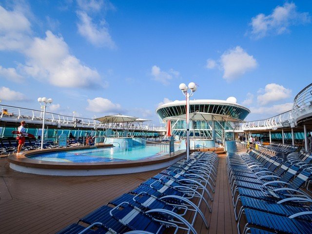 Solo cruises on Royal Caribbean