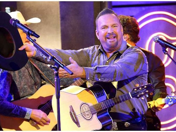 Garth Brooks' Net Worth: 5 Fast Facts You Need to Know