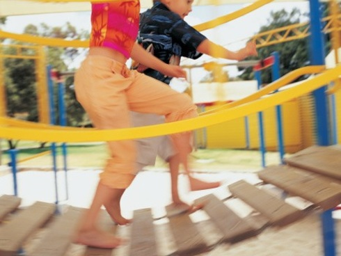 Los Angeles' Proposed Ban on Childless Adults in Playgrounds Is a Bad Idea