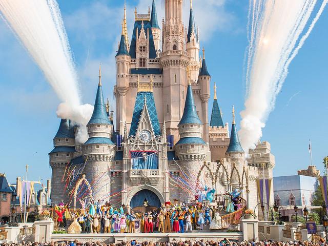 Disney World Jungle Cruise Boat Sinks With Passengers On It