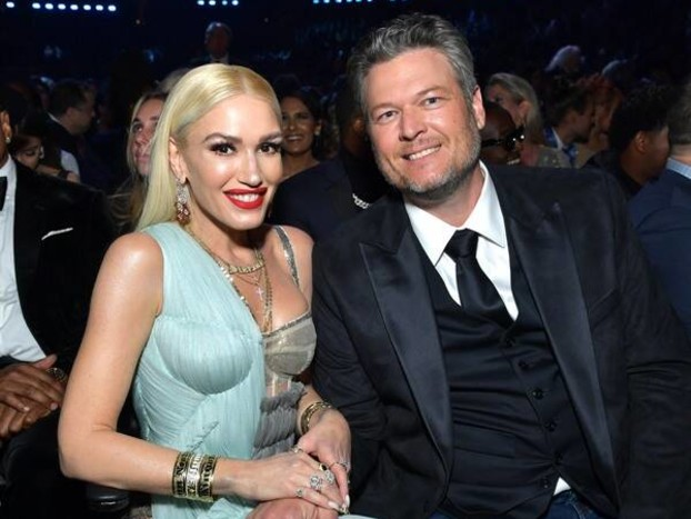 Gwen Stefani Had So Many Amazing Outfit Changes at the 2020 Grammys It Was Bananas