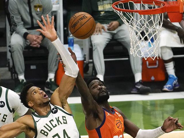 Giannis Antetokounmpo's crucial block, Khris Middleton's 40 points lead Bucks to Game 4 win