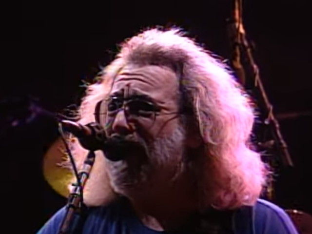 Grateful Dead Performs 'Help On The Way/Slipknot!/Franklin's Tower' In 1991