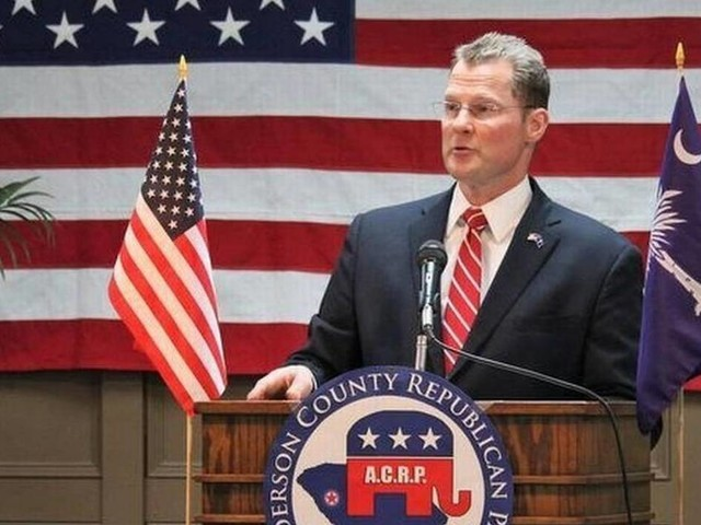 Kevin Bryant plays catch up in governor funding race