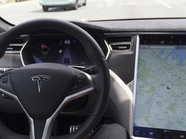 NTSB Blames Tesla And U.S. Regulators For Fatal 2018 Autopilot Crash