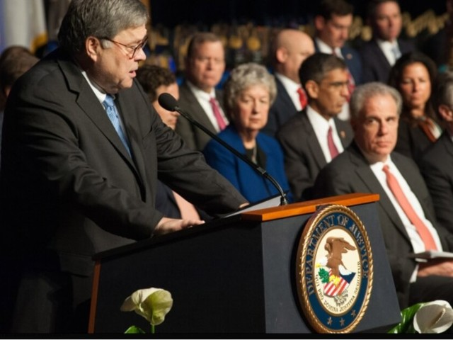 Trump cabinet member: Huawei and ZTE are untrustworthy