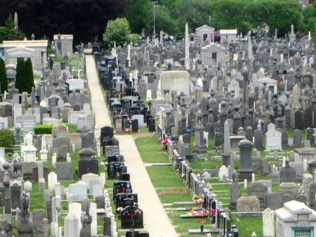 The dead are on track to outnumber the living on Facebook in 50 years