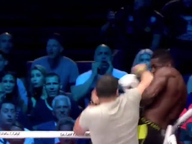 Video: Glory kickboxer Murthel Groenhart gets assaulted by ring intruders after KO win