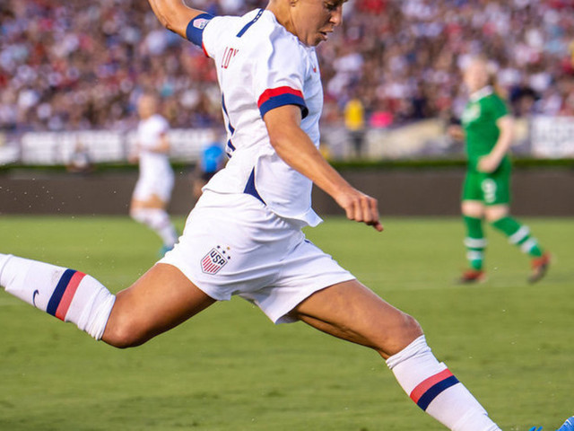 US women's soccer star says she has 'pretty serious' offers to become an NFL kicker