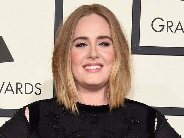 Adele Teases New Music in First Statement Since Split From Husband Simon Konecki