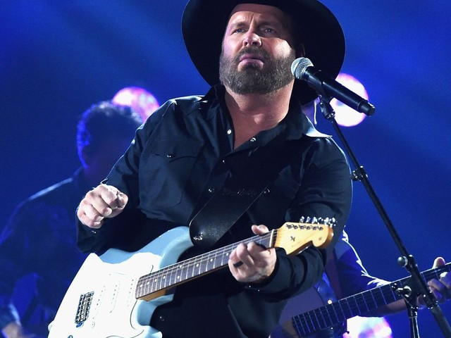 Garth Brooks shares stories, photos, demos in 'The Anthology Part 1'