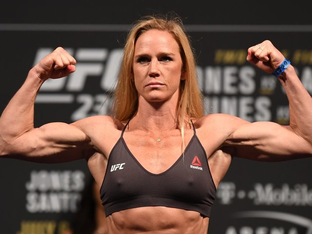 Coach confident Holm will bounce back: She's the exact opposite of Rousey