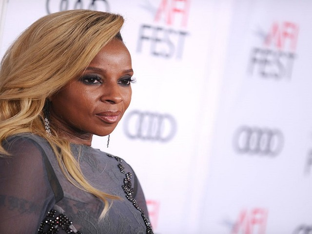 Mary J. Blige Will Be Honored At Billboard's 'Women In Music' Awards Ceremony