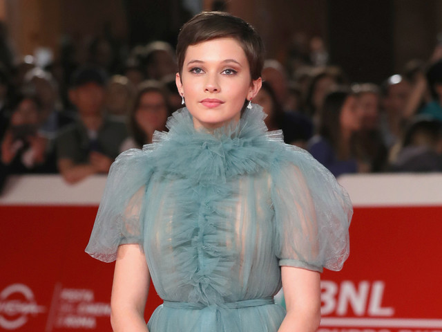 'El Royale' Star Cailee Spaeny Wows at Rome Film Festival