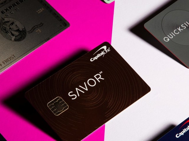 5 things to keep in mind when you're deciding between a rewards card and a cash-back card