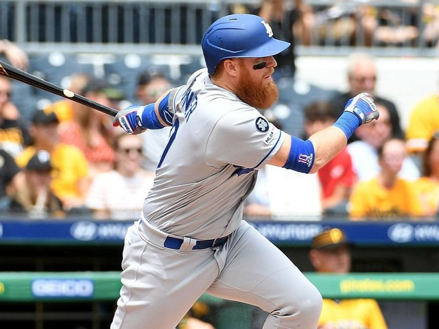 How a simple walk by Max Muncy triggered another Dodgers win