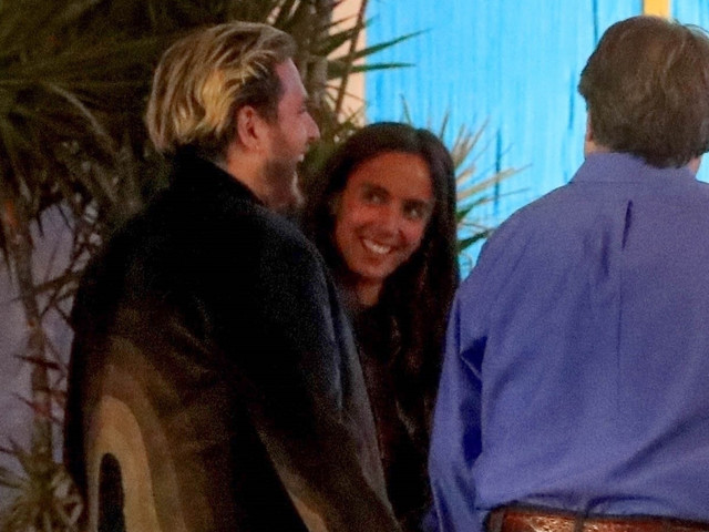Jonah Hill & Girlfriend Gianna Santos Look So Happy at Dinner With Friends!