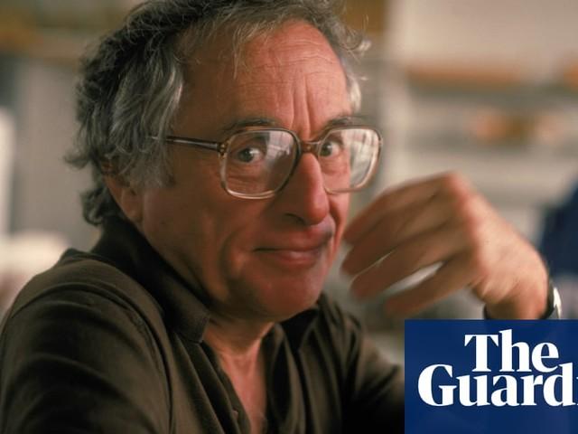 Walter Bernstein: blacklisted Hollywood screenwriter dies at 101