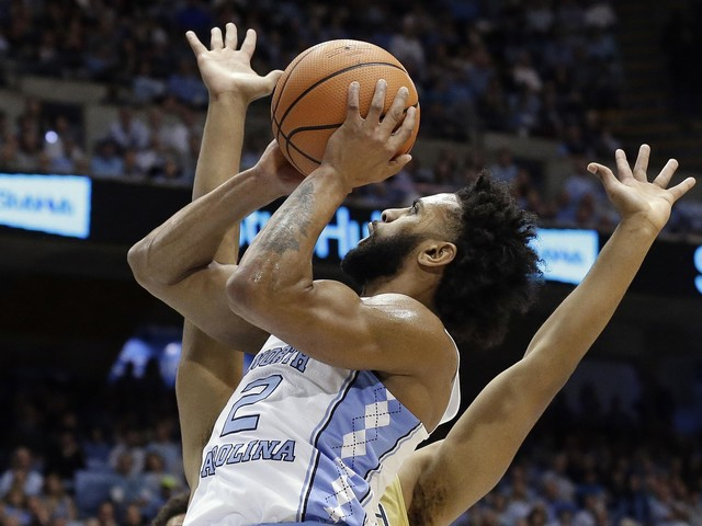UNC's Berry: Valentine hugs, apology for back-turning show