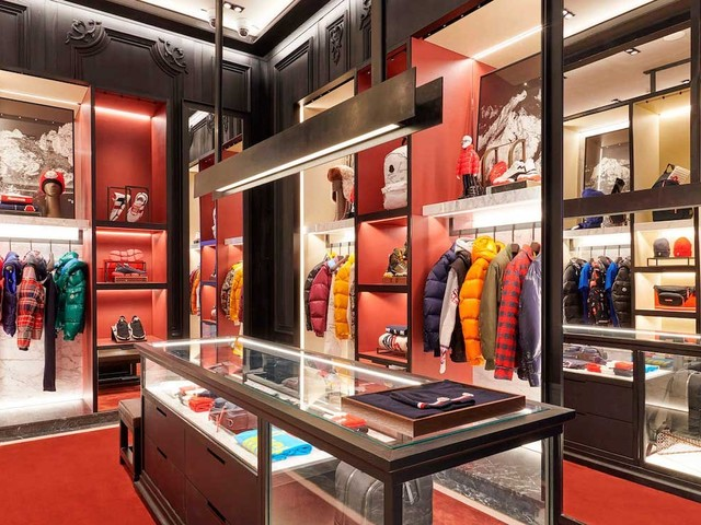 Moncler H1 turnover and profit decline