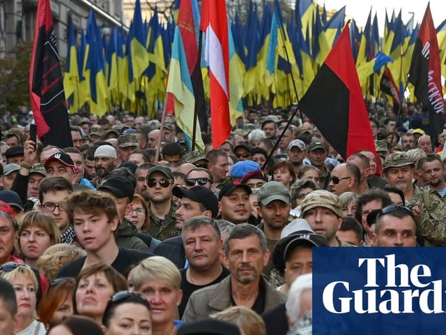 Far right and nationalists march in Kyiv to oppose east Ukraine peace plan