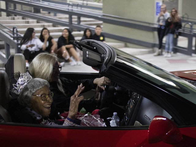 UNLV alumna, 105, honored in homecoming parade