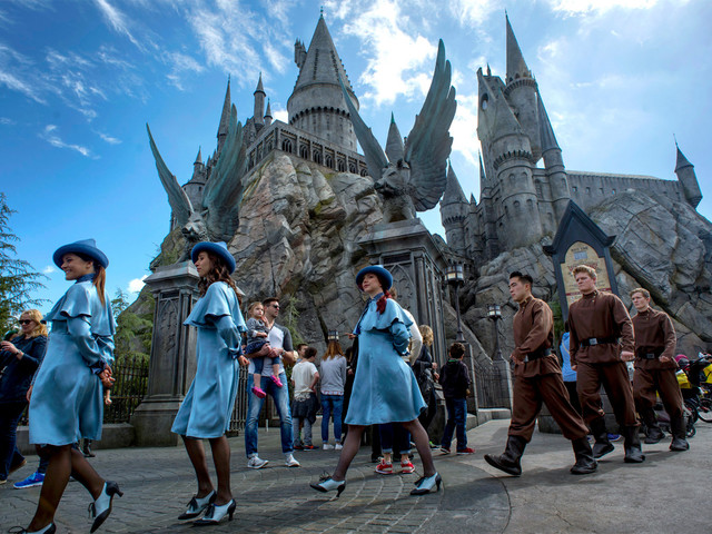 Universal Studios Hollywood and Six Flags Magic Mountain want to reopen by July 1