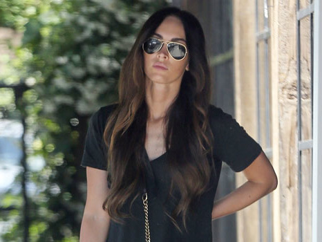 Megan Fox Steps Out & Grabs Coffee In 1st Pics Since Heartbreaking Brian Austin Green Split
