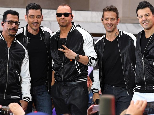 "New Kids on the Block Surprise Giuliana Rancic on ""E! News"""