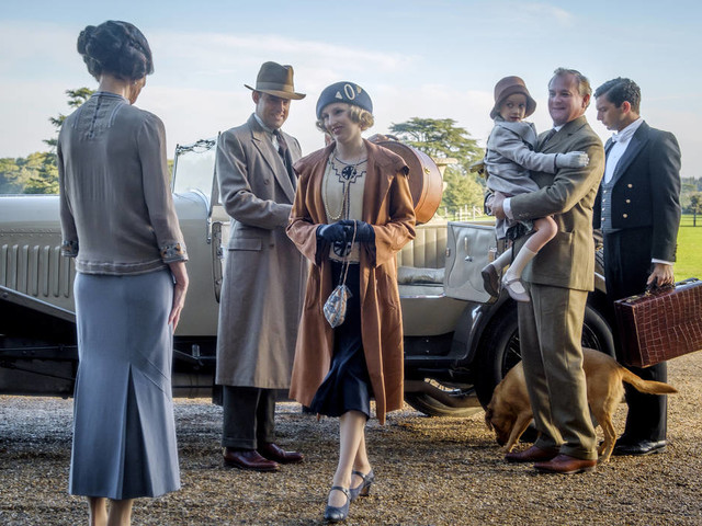 'Downton Abbey' overpowers Brad Pitt, Rambo at box office
