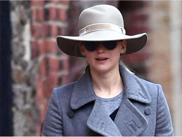 Jennifer Lawrence Walks Her Dog in NYC After Darren Aronofsky Split