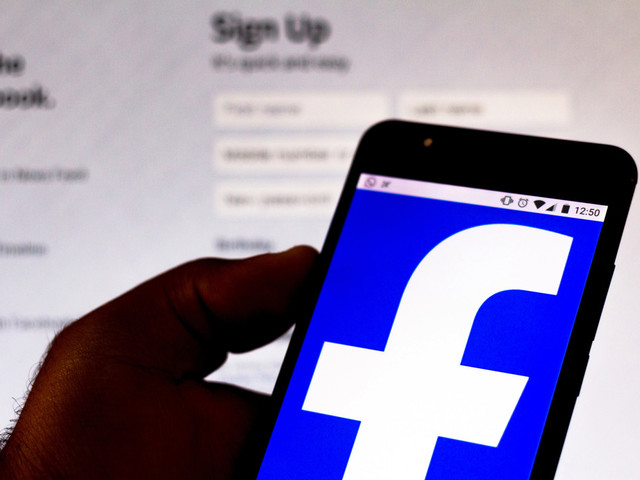 Facebook suspends 'tens of thousands' of apps for user data issues