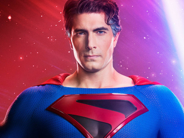 Here's a very short teaser for The CW's Crisis On Infinite Earths