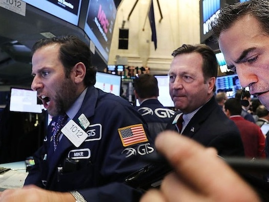 Global shares pull back as concern over US growth, Asia tech rout weigh on investor confidence