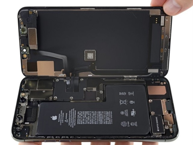 iFixit iPhone 11 Pro Max Teardown Hints at Unimplemented Bilateral Wireless Charging Feature [Updated]