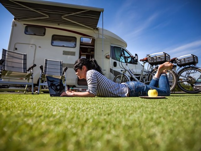 How to Earn Money Working From Your RV