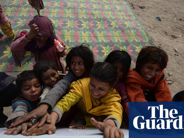 Locked out of school: Pakistan's digital divide has students struggling