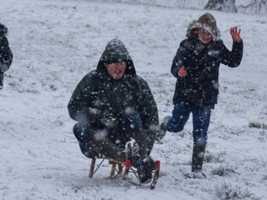UK COVID Cops Threaten £200 Fines For People Having Snowball Fights