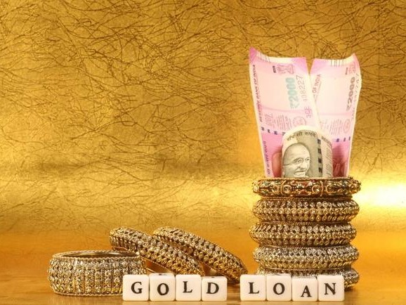 Indian Gold-Loan Volume Explodes Amid Banking Sector Credit Crisis
