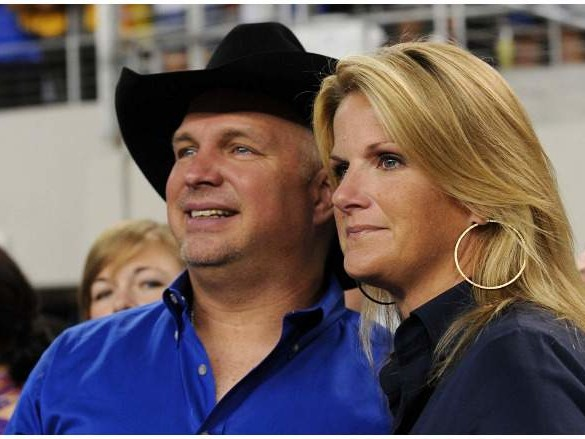 Trisha Yearwood and Garth Brooks: 5 Fast Facts You Need to Know