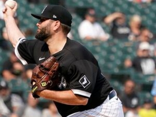 LEADING OFF: More All-Star starters in Chisox-Brewers set