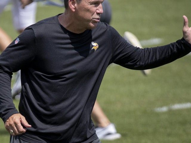 Viking coach Mike Zimmer chooses Gary Kubiak as offensive coordinator
