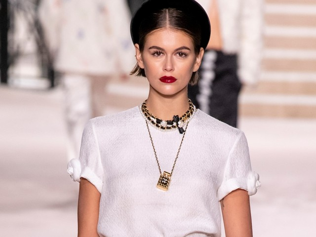Chanel's Latest Collection Is Very '90s In All The Right Ways