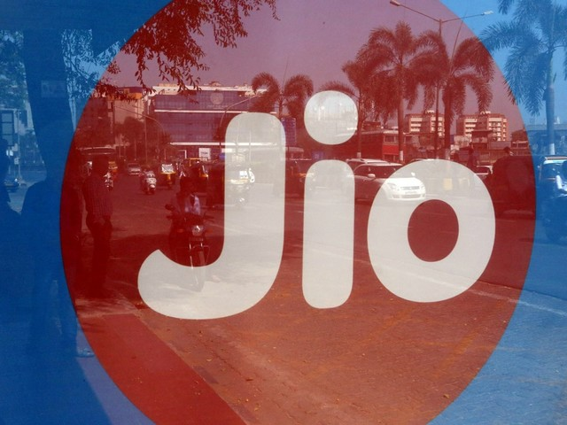 Jio Now Has 370 Million Subscribers, Adding 14.8 Million in a Quarter