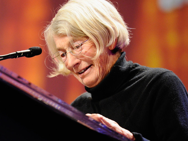 Mary Oliver Fans Remember Her Life And Work After Her Death At 83