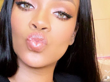 Rihanna Finally Drops Date For 'R9' Album, Spotted On Holiday Dinner Date With Boo Hassan Jameel + Drake Expresses Love For Rih Again