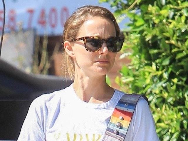 Natalie Portman Meets Up with Friends for Lunch at Gracias Madre