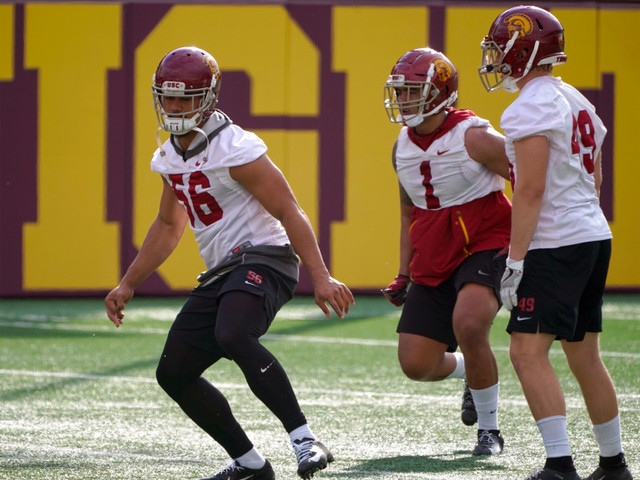 USC undergoing a youth movement at linebacker