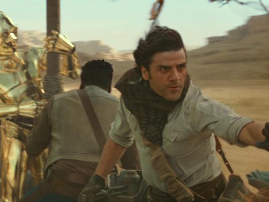 Oscar Isaac Has Never Felt Like a 'Star Wars' Insider